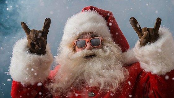 il synchronise ses décorations de Noël avec du AC/DC