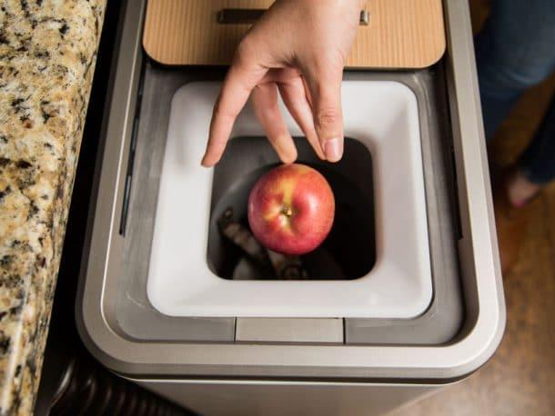 poubelle qui recycle les déchets organiques