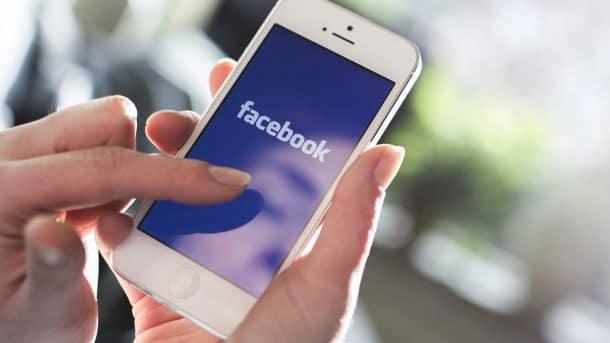 smartphone : facebook