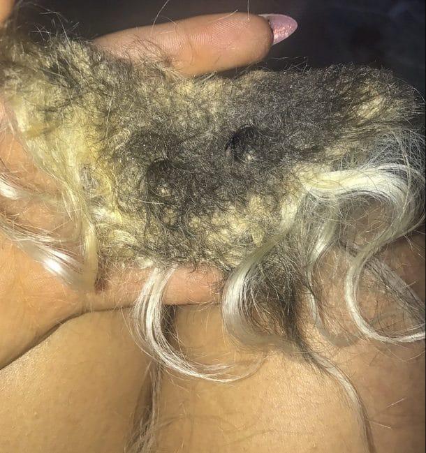 Le masque indien pour les cheveux avec le thé