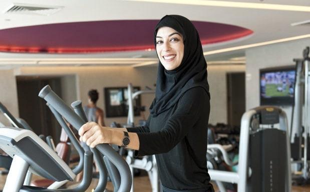 l 39 arabie saoudite autorise les femmes aller la salle de sport mais une condition. Black Bedroom Furniture Sets. Home Design Ideas