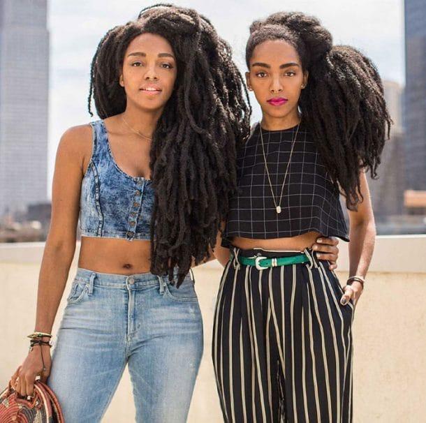 soeurs jumelles cheveux afro