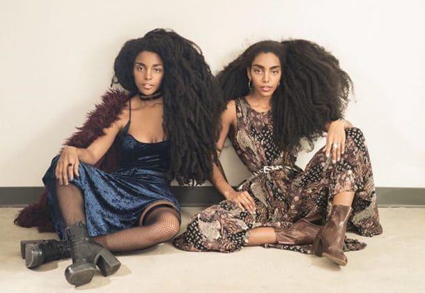 Ces Deux Soeurs Jumelles Avaient Honte De Leurs Cheveux