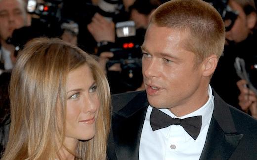 Brad Pitt et Jennifer Aniston s'échangent des textos