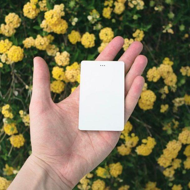 Ce t l phone ultra minimaliste a t pens pour les anti for Oui non minimaliste
