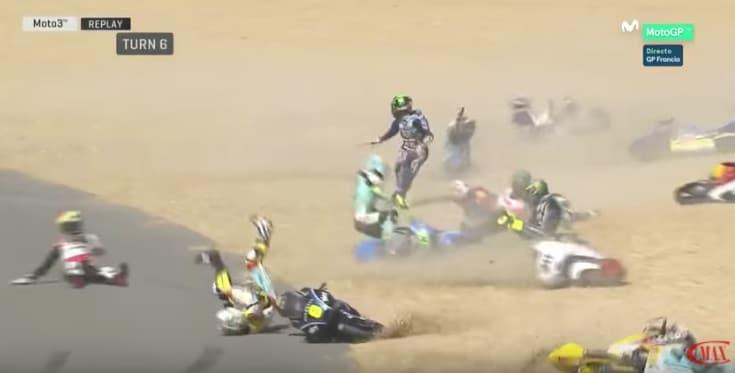 Une plaque d'huile provoque une série de chutes au Grand Prix de France de Moto3 ! (vidéo)