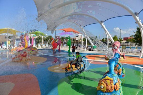 parc aquatique prevu pour les personnes handicapees