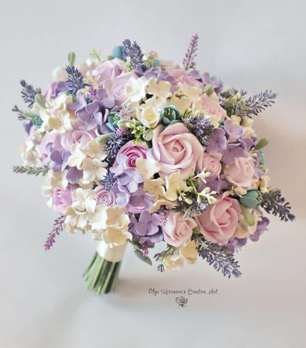 fleurs en argile