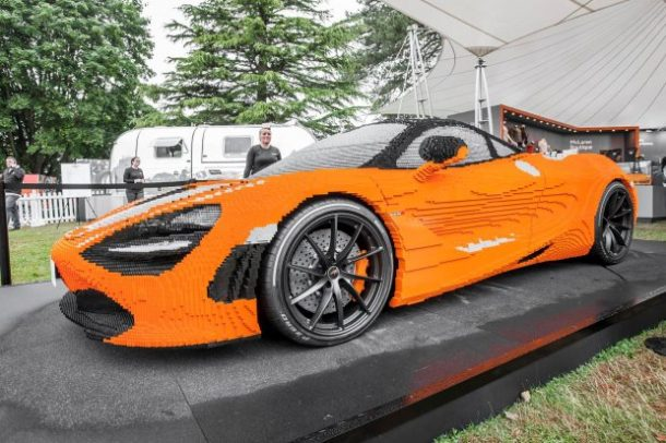 une mclaren 720s grandeur nature construite avec 280 000 briques lego. Black Bedroom Furniture Sets. Home Design Ideas
