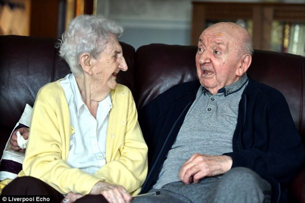 Tom et Ada en maison de retraite
