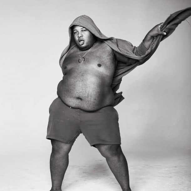 Le premier mannequin grandes tailles homme fascine le monde de la mode ! (vidéo)