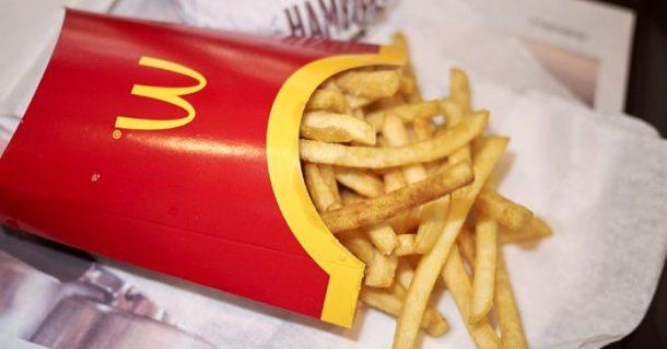 choc la grande cha ne de fast food mcdonald 39 s ajoute du silicone dans ses frites vid o. Black Bedroom Furniture Sets. Home Design Ideas