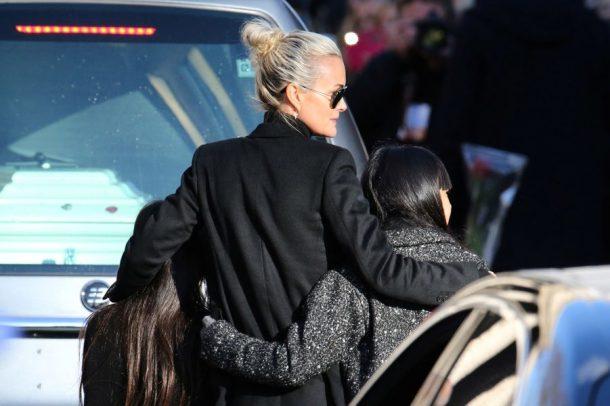 Pourquoi Laeticia Hallyday a gardé le silence lors de l'hommage populaire