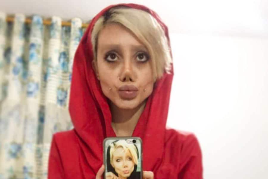 La fan d'Angelina Jolie aux 50 opérations de chirurgie ...