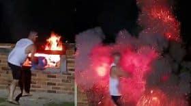 explosion avec des allume-feux dans un barbecue