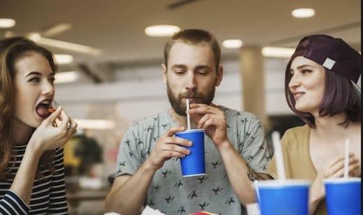 des médecins alertent sur les dangers de la maladie du soda qui cause la cirrhose du foie