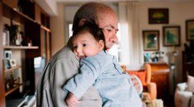 parents - enfant - vieux - trop vieux - garde - services sociaux