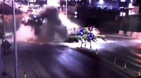 accident de voiture dans un rond-point