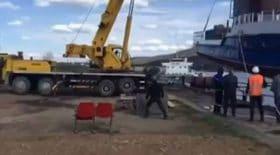 grue se renverse poids du bateau