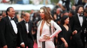Iris Mittenaere Cannes