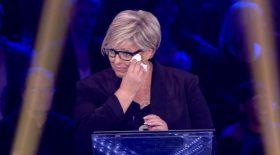 Laurence Boccolini pleure