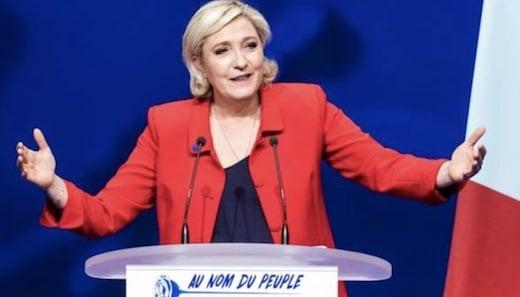 Marine le Pen est pour la naturalisation de Mamoudou Gassama