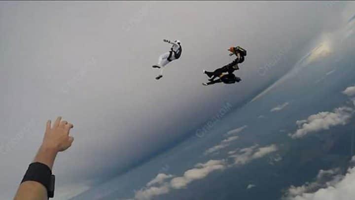 saut en parachute parachutistes meurent écrasés