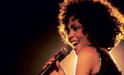 Whitney Houston a été abusée sexuellement par sa cousine