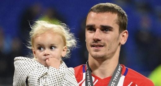 La fille d'Antoine Griezmann, Mia ,est la première supportrice des Bleus !