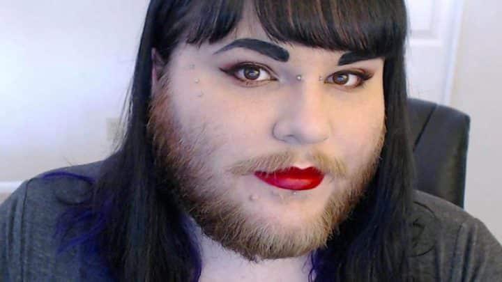 femme barbe pilosité assumer