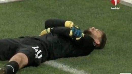 la tactique du gardien de la Tunisie pour rompre le jeûne pendant un match