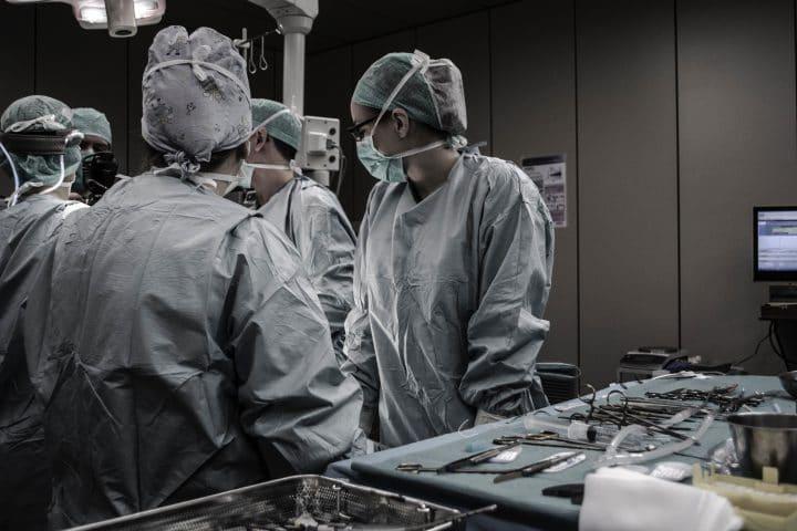 Clostridium difficile, bactérie, maladie, santé, transplantation fécale,