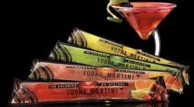 nos apéros seront parfaits cet été avec ces bâtonnets glacés de vodka martini !