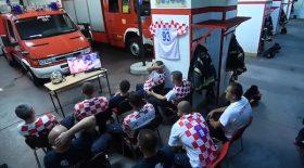 Ces pompiers croates ont ému la Toile