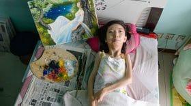 paralysée couchée peintre