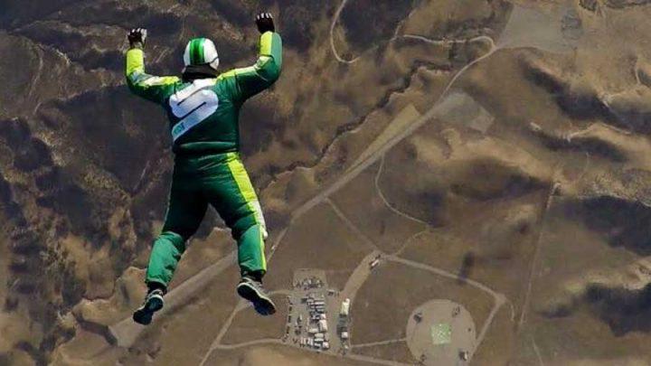 saut sans parachute chute libre record