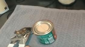 ouvre-boîte à deux molettes