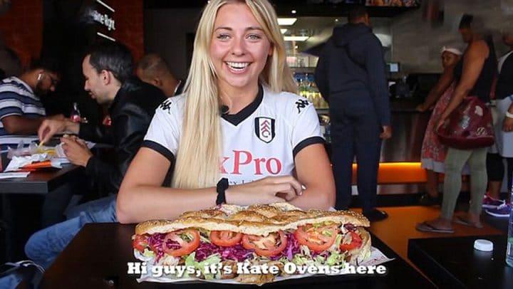 petite blonde concours nourriture kebab