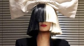 Sia sans sa perruque dévoile son vrai visage