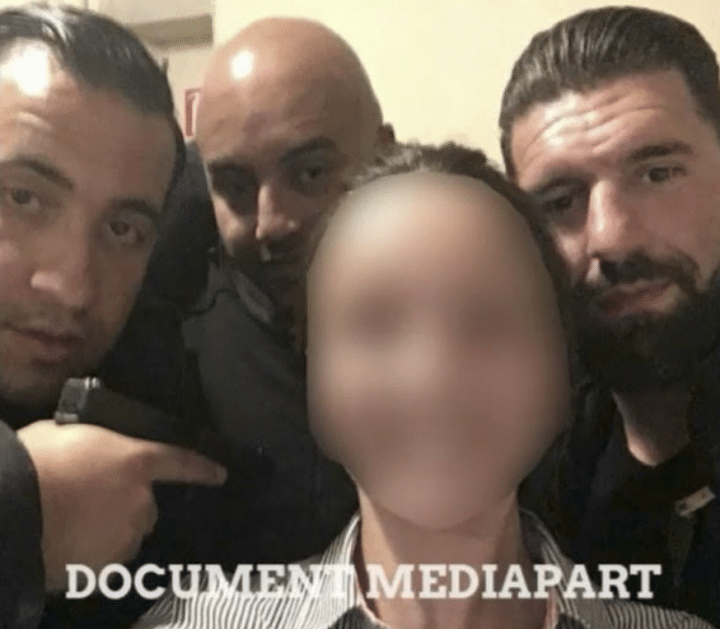 Alexandre Benalla brandit une arme, document Médiapart