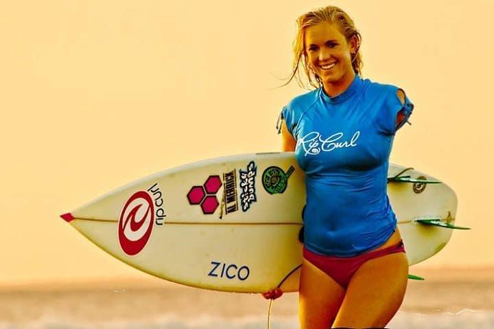 bethanyhamilton - attaque requin - surfeur