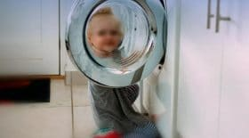 garçon-bras-arraché-machine-a-laver