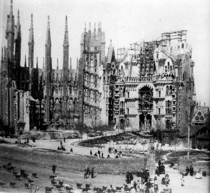 Gaudi ne faisait pas partie du projet initial