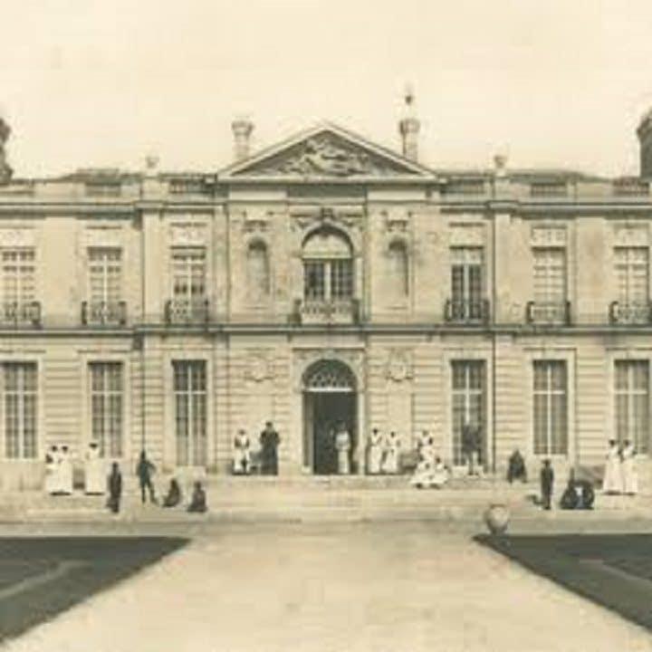 oldway-mansion-hantée-effraynt-fils-film-vélo-fantomes