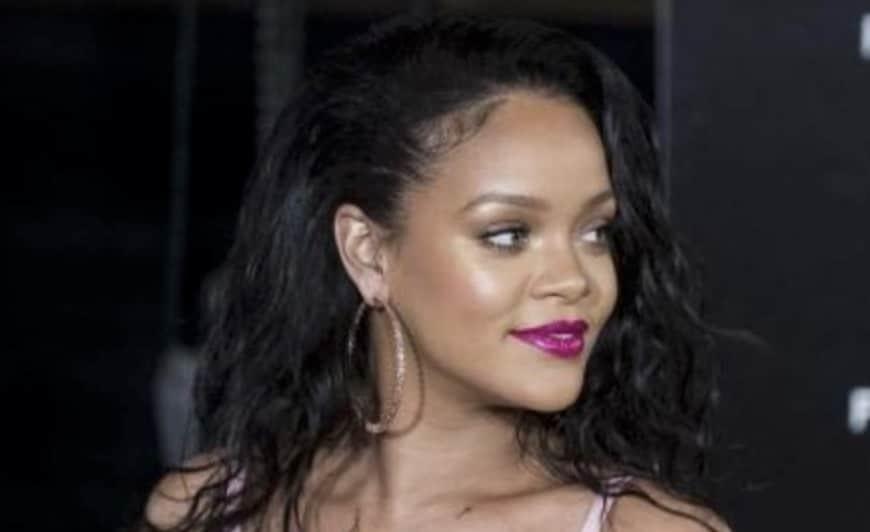 Sexy Lingerie Hot S'affiche Une Vidéo Ultra Rihanna En Dans qSMVUzp