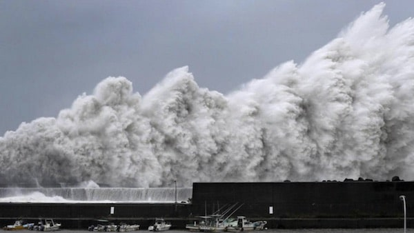 Un énorme typhon a ravagé le Japon
