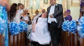mariée handicapée voiture lui a roulé dessus