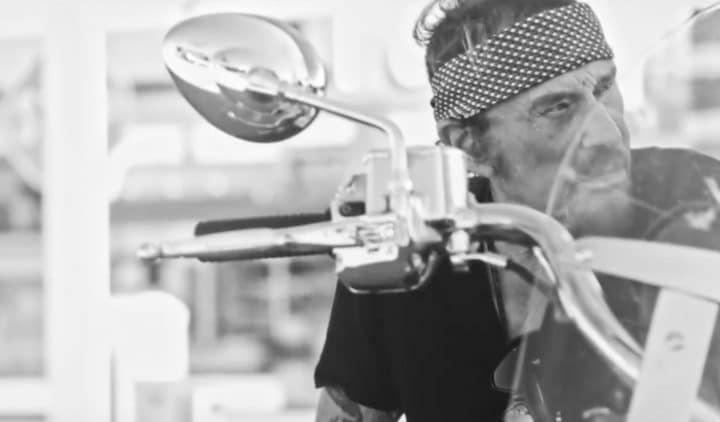 J'en parlerai au diable, le premier clip de l'album posthume de Johnny Hallyday