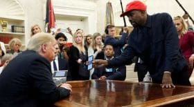 Kanye-West-Donald-Trump-code-accès-iPhone-fan