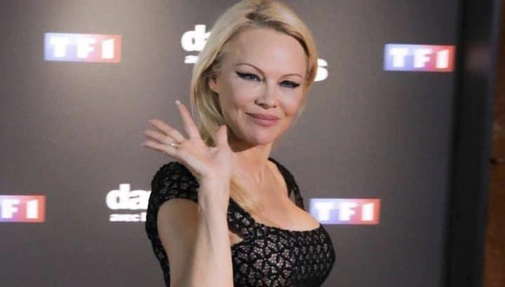 Pamela Anderson sexy